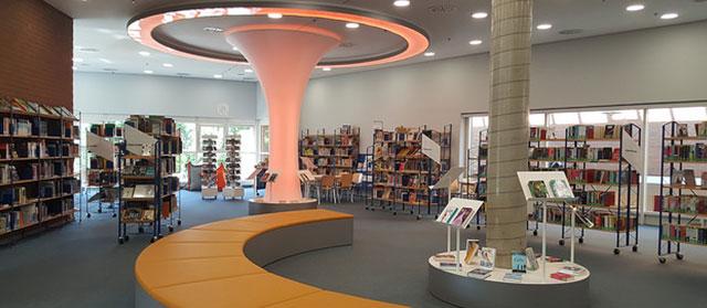 Düren Stadtbücherei hat schnelles Internet (Flickr.com / Fachstelle für Öffentliche Bibliotheken NRW, [url=https://creativecommons.org/licenses/by/2.0/]CC BY 2.0[/url])