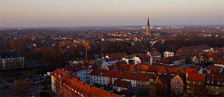Luftbild von Münster (Bild: Flickr.com / Lars Steffens, [url=https://creativecommons.org/licenses/by/2.0/deed.de]CC BY 2.0[/url])