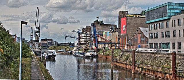 Einen Internetzugang gibt es nicht nur am Hafen in Neuss (Flickr.com / Peter Köves,[url=https://creativecommons.org/licenses/by/2.0/]CC BY 2.0[/url])
