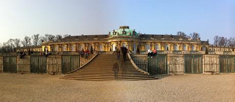 Schloss Sanssouci in Potsdam (Bild: Flickr.com / Manuela Höft, [url=https://creativecommons.org/licenses/by/2.0/]CC BY 2.0[/url])