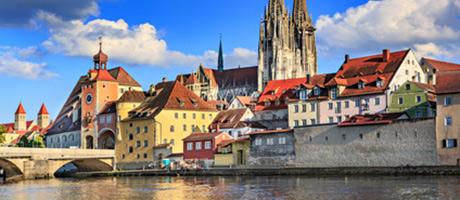Regensburg Dom & Donau (Foto: #94648334 © Val Thoermer - Fotolia.com)