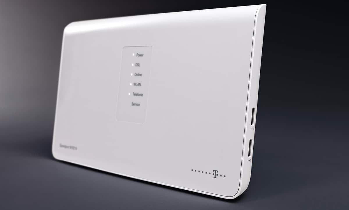 avm sicherheitsl cke vier speedport router der telekom. Black Bedroom Furniture Sets. Home Design Ideas