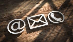 Kontakt per Mail, Post oder Telefon