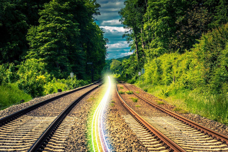 Deutsche Bahn Glasfaser entlang von Schienen